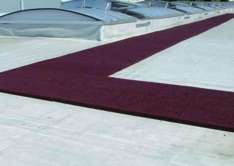 Inspektionswege auf Flachdächern oder als schützende Basiselemente für Solarkollektoren,