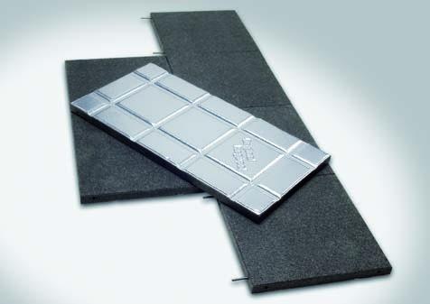 Unterseite mit einer Aluminiumfolie kaschiert, um dem Weichmacherverlust nicht gummiverträglicher Abdichtungsfolien entgegenzuwirken