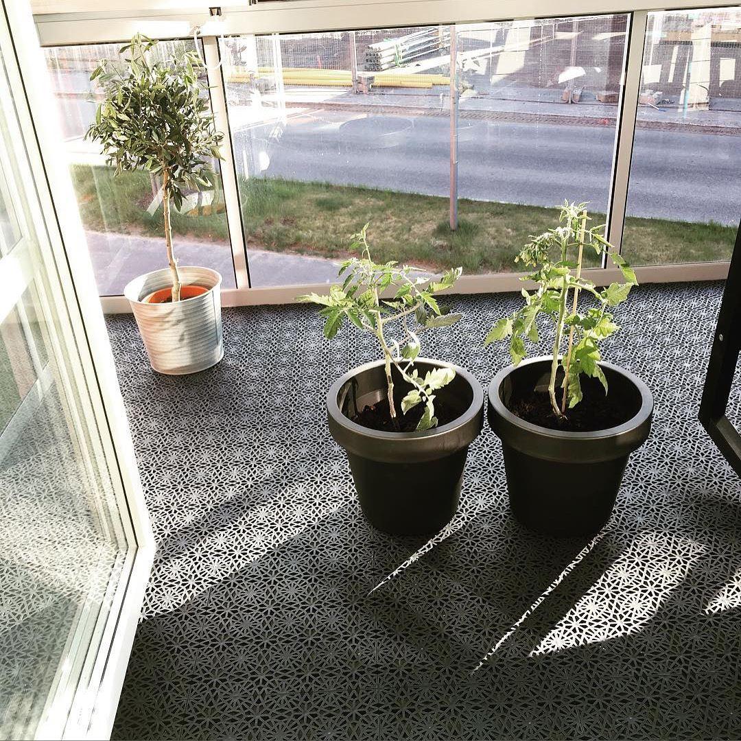 UV-beständiger Kunststoff-Bodenbelag für den Wintergarten