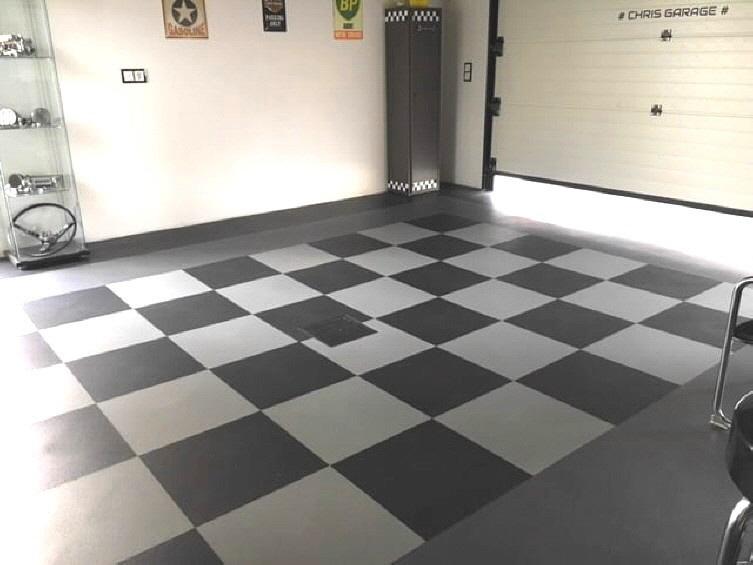 Garage mit PVC Fliesen INVISIBLE mit verdeckter Puzzle-Verbindung