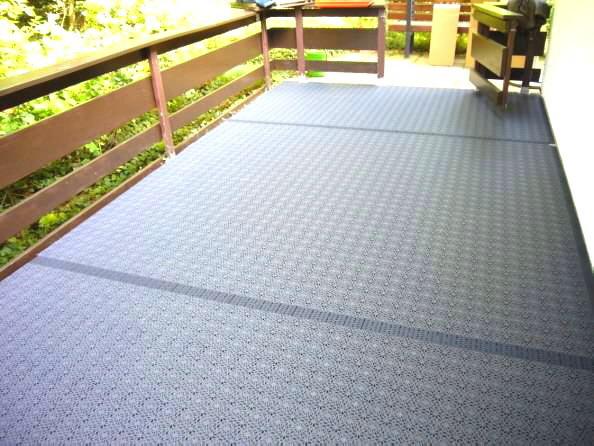 Balkon Bodenbelag Grafithgrau Bodenfliesen wetterfester UV-beständiger PP Kunststoff mit Klick Fliesen System
